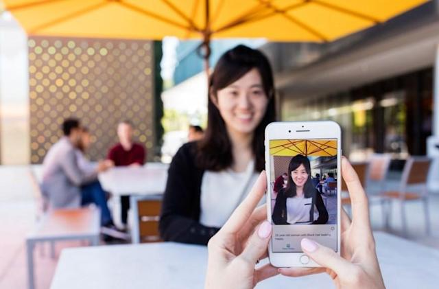 Microsoft app helps blind people 'see' the world with AI