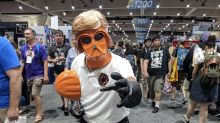 Mark Hamill turns to the orange side for Trump-mocking Comic-Con costume