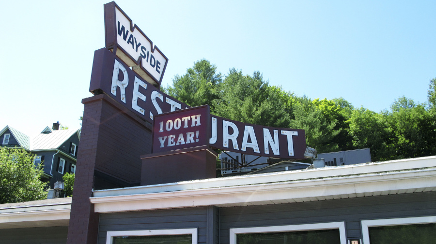 Restaurant still serving New England fare 100 years later