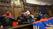 Accord dans le Haut-Karabagh : les gains de l'Azerbaïdjan consacrés, l'Arménie en colère