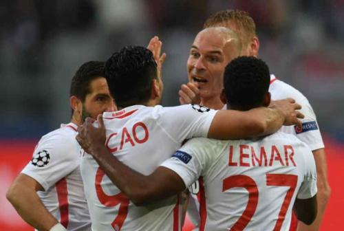 Após vitória sobre o Dortmund, Falcao admite: 'Ataque pode ter tirado a concentração'