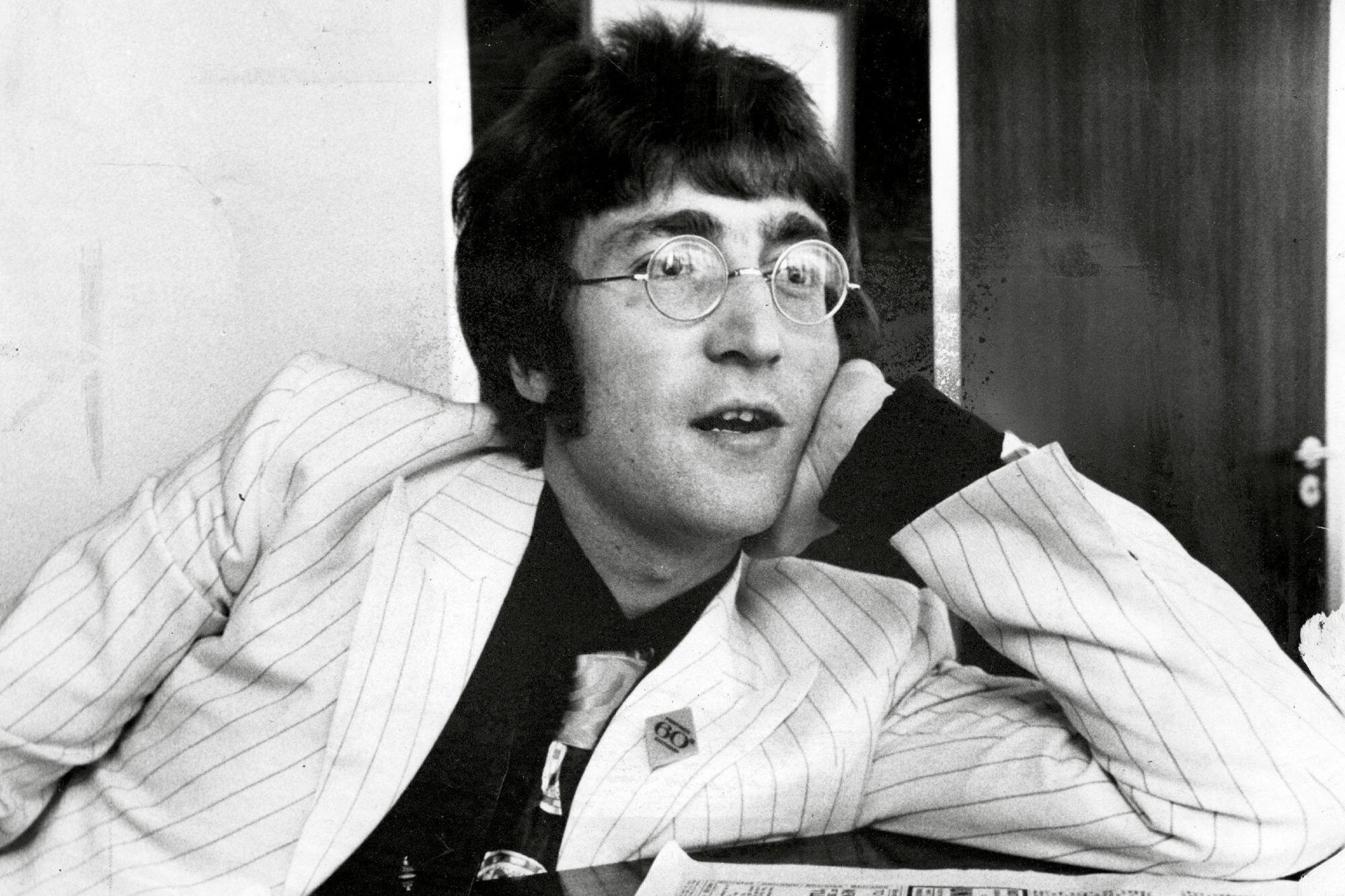 John Lennon S Iconic Round Spectacles Sell For 57 000 In Rare Beatles Auction