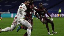 Foot - L1 - L'OL perd contre Metz et tombe à la troisième place derrière le PSG et Lille