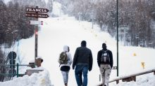 Migrant hopes for France freeze on Italian mountain trail