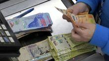 Moeda argentina tem dia de trégua após plano de adiar pagamento da dívida