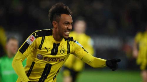 Borussia Dortmund sofre, mas vence Ingolstadt no Campeonato Alemão