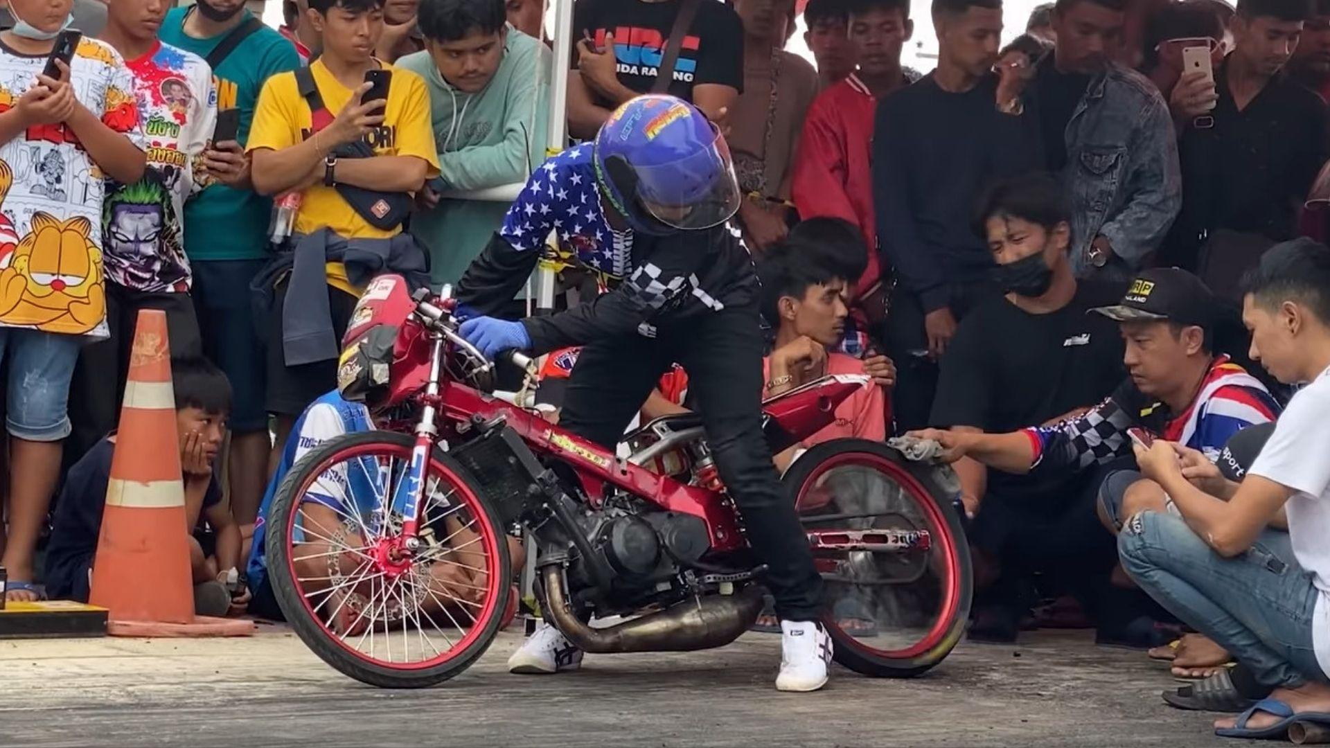 Motorcycle Monday: Thai Bike Races Are Absolutely Crazy