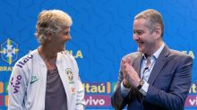 "Apresentada, Pia Sundhage exalta ""nova página"" do futebol feminino"