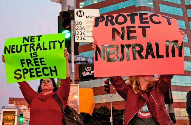 Senate officially introduces resolution to restore net neutrality
