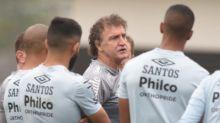 Cuca lamenta não poder poupar no Santos: 'Não tem como. É força total'