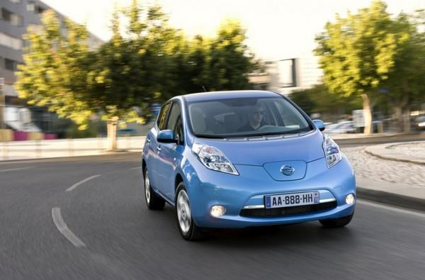 Nissan Leaf delayed in UK, backup warning signal to blame