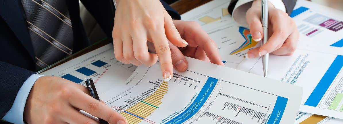 News post image: A Sliding Share Price Has Us Looking At Blucora, Inc.'s (NASDAQ:BCOR) P/E Ratio