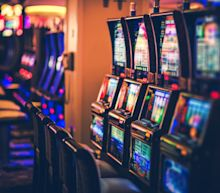Macau confirms virus case and orders casino staff to mask up
