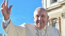 """Papa Francesco duro sulla Capitale: """"Roma è degradante e abbandonata"""""""