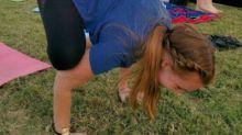 Clases de yoga con cabras, ¿te animas?