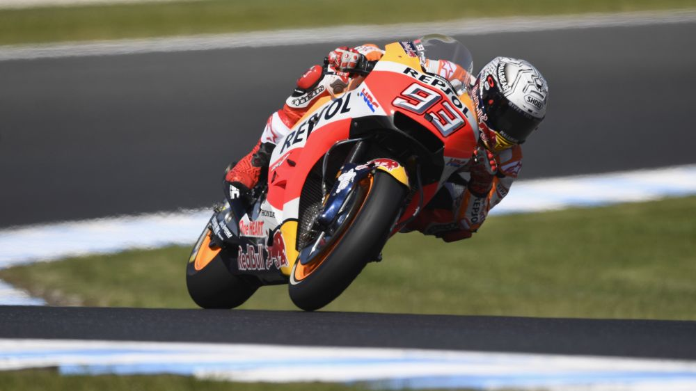 Marquez grabs pole as Dovizioso struggles at Phillip Island