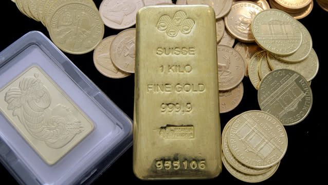 Gold Prices Collapse As Everyone Remembers It S Just Yellow Metal Blodget