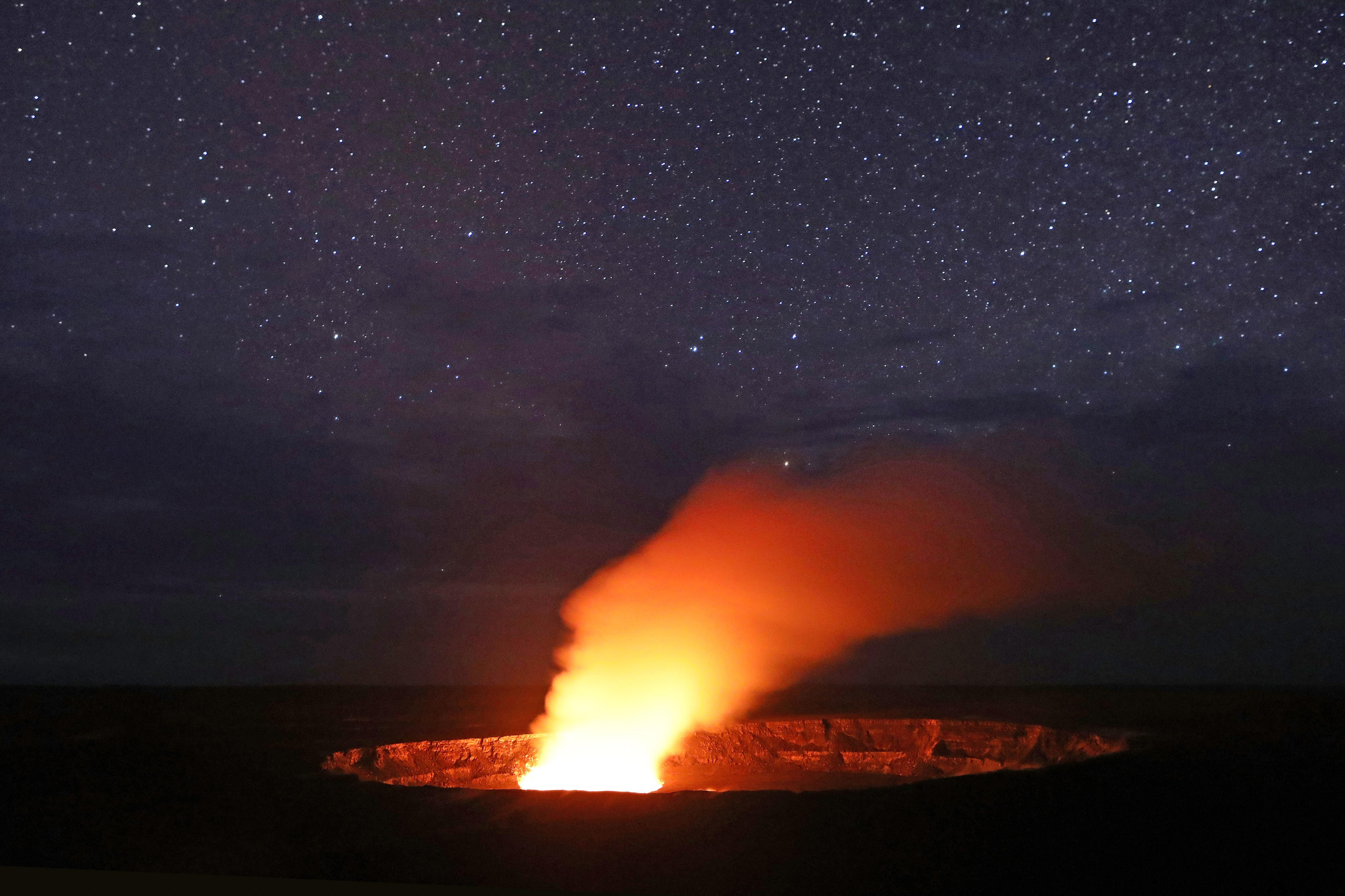 Hawaii's Kilauea Volcano Eruption Could Hurl Boulders the Size of Refrigerators Miles Into the Air