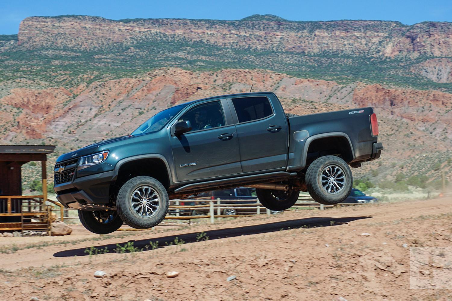2017 chevrolet colorado zr2 first drive. Black Bedroom Furniture Sets. Home Design Ideas