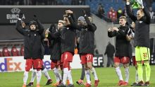 Napoli out of Europa League; police officer dies in Spain