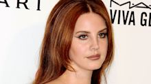 Lana Del Rey Posted a Bare-Faced Selfie and Fans Are Loving the Switch-Up