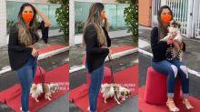 """Cachorro de Gizelly Bicalho faz xixi em homenagem para ela: """"Puff"""""""
