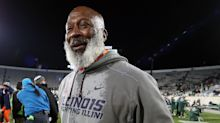 Texans DC Lovie Smith admits he wasn't able to run his full defense at Illinois