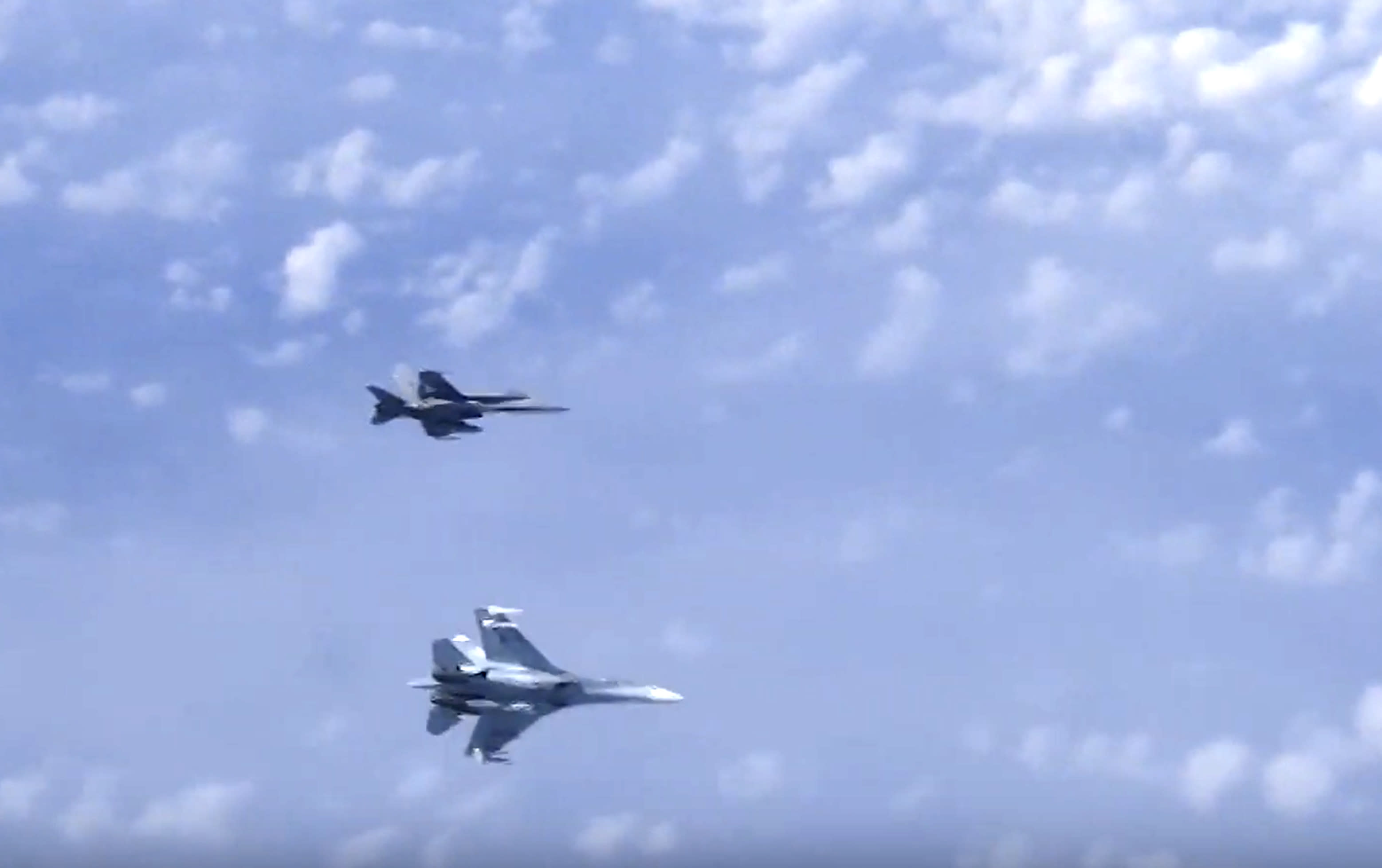 Russian jet chases North Atlantic Treaty Organisation  plane away from defense minister's aircraft