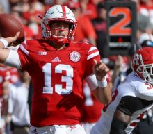 Monday notebook: Huskers still back Lee, know he needs help