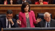 La respuesta de Calvo al jaleo que se hizo Montserrat hablando en el Congreso
