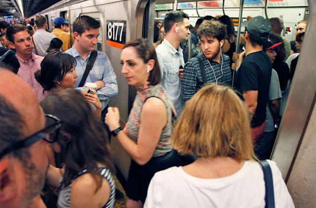 Google Maps can predict how crowded your train or bus will be