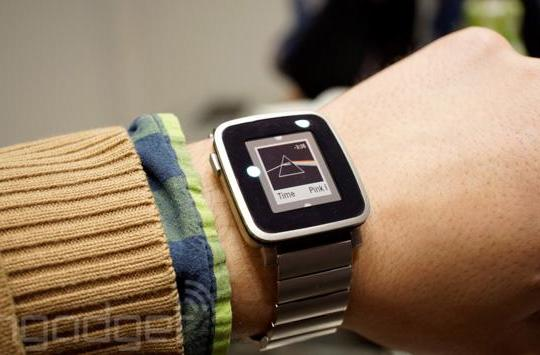 Pebble's color smartwatch is the most-funded Kickstarter project ever