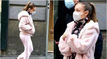 El look menos glamuroso de Ester Expósito: los paparazzi la fotografían en chándal por Madrid
