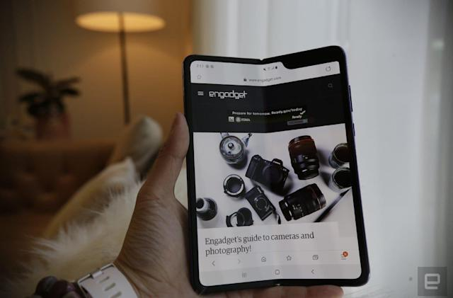 Galaxy Fold teardown gives us a look at its complicated design