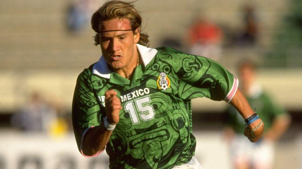 Luis Hernandez slams Osorio's Mexico national team
