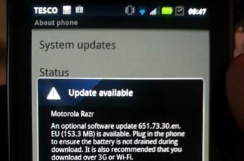 Motorola starts Android 4.0 upgrades for international RAZR owners