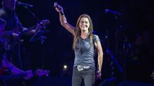 Gretchen Wilson calls for hotel boycott after claiming police kicked her out of room for 'no reason'