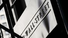 US stock indexes dip in afternoon trading; oil falling