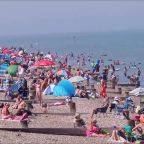 August heatwave sees Britons flock to beach in Kent