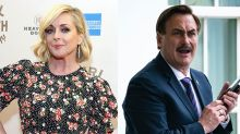 Jane Krakowski denies relationship with MyPillow CEO Mike Lindell — 'romantic or otherwise'