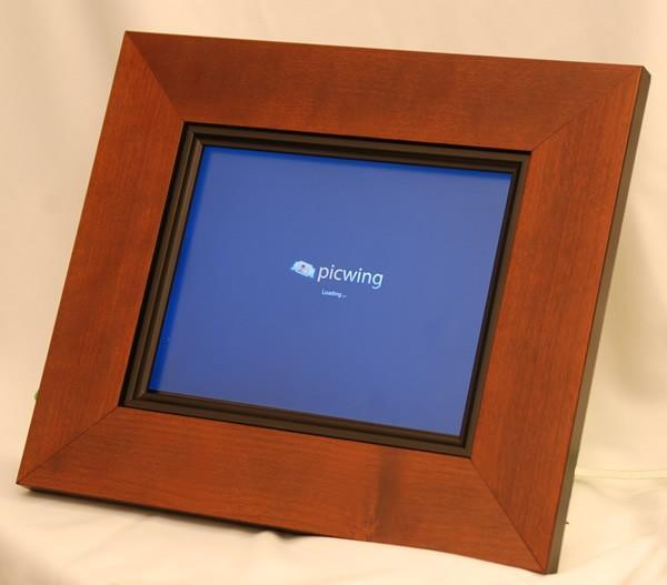 Picwing intros social digital picture frame