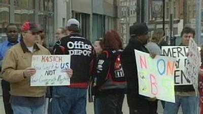 Opponents Rally Against Bill Limiting Union Rights