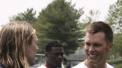 Tom Brady calls out Patriots rookie Chase Winovich through