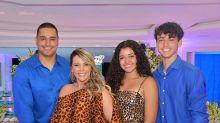 Sintonia em família: 9 vezes em que Carla Perez, Xanddy e os filhos se vestiram iguais