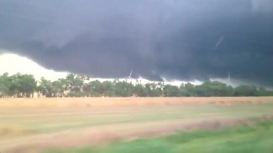 Raw video: Ominous storm clouds near Minco