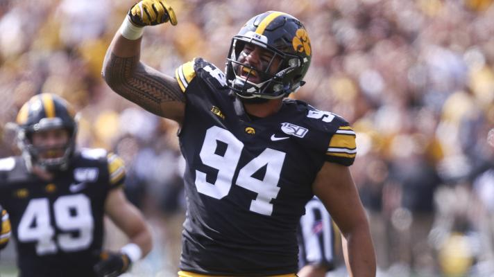 Iowa DE A.J. Epenesa explains how his basketball career helped him as a football player