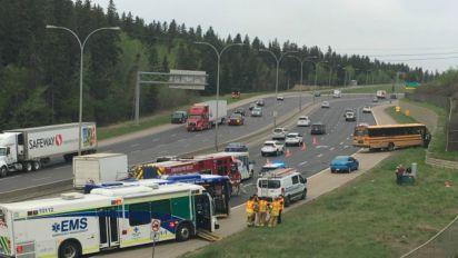 11 students injured in Edmonton school bus crash