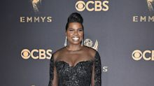 Social media goes wild for Leslie Jones in thigh-high slit gown: 'Nice legs, lady'