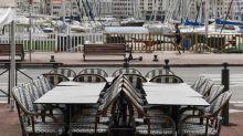 Rideaux tirés et terrasses vides: coup de blues à Marseille