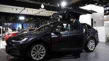 Tesla gets rid of cheaper Model S, Model X options